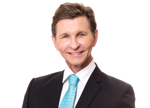 Dr. Gerhard Sattler, medical director of the Rosenpark Clinic, specializes in liposuction, aesthetic-surgical dermatology, wrinkle treatment and regenerative facial rejuvenation as well as vein treatment.