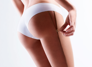 With fractional lasers the experts of Rosenpark Clinic stimulate the body skin to intensively regenerate itself.